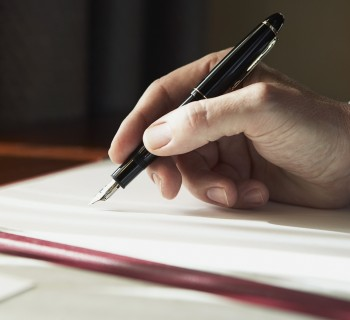 hand_writing_book_man_7986_1600x1200