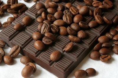 Cocoa_beans_and_Chocolate